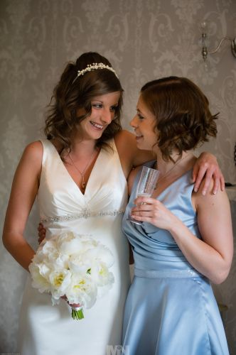 D2344-49_The bride_and_her_sister_bridesmaid