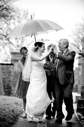 D2132-64-rainy_wedding_day_at_Stoney_Stanton_Leicestershire