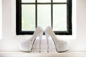 D2451-45-Big_heels_for_the big_day